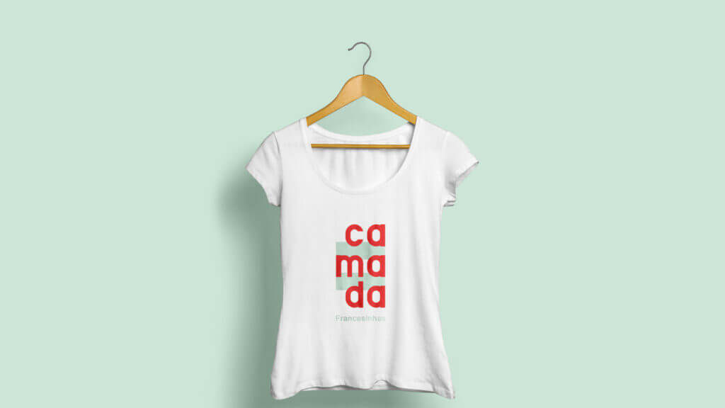 Camada logo T-shirt